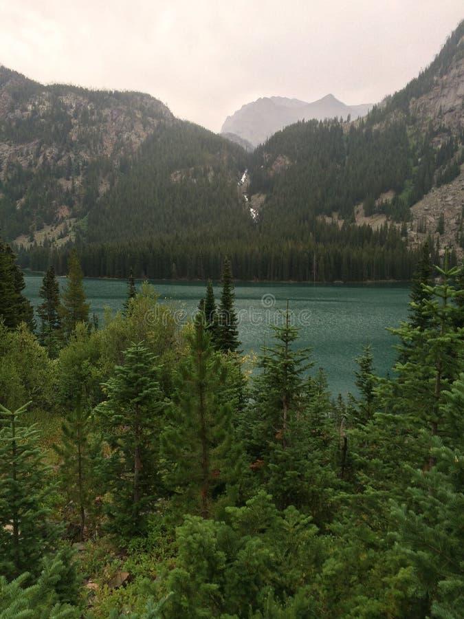 Lac caché photo libre de droits