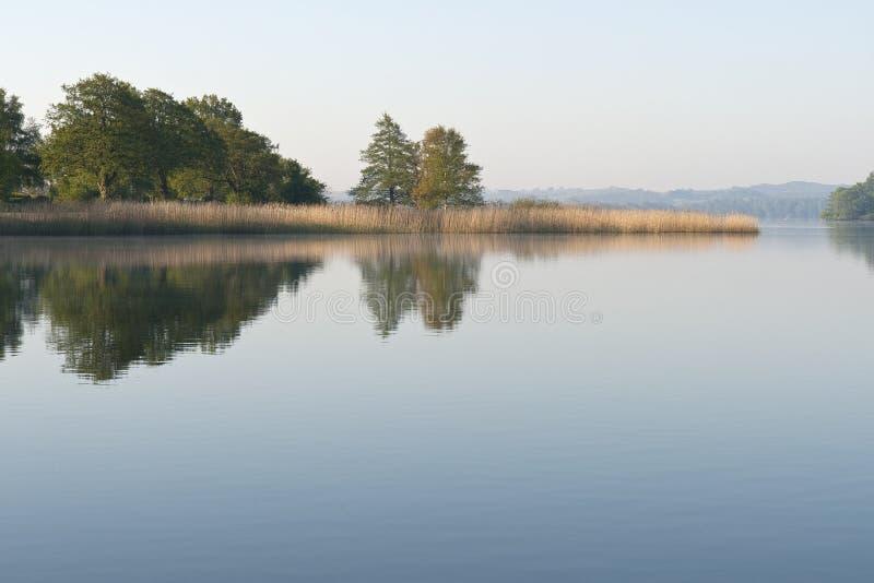 Lac calme photos stock