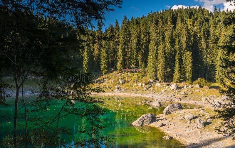 Lac Carezza, Tyrol du sud photos libres de droits