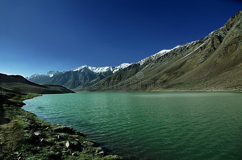 Lac Chandratal, vallée de Spiti photos stock