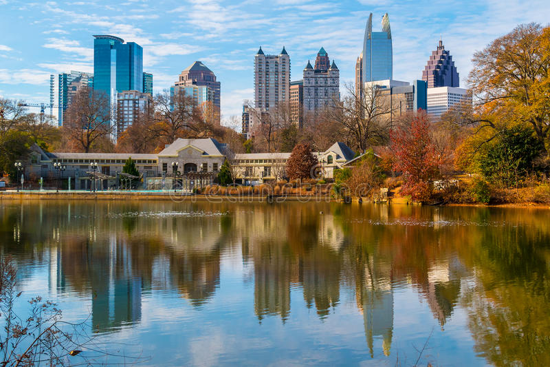 Lac Clara Meer et Midtown Atlanta, Etats-Unis photos stock