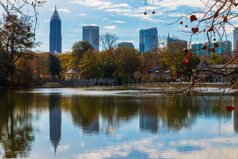 Lac Clara Meer et Midtown Atlanta, Etats-Unis image libre de droits