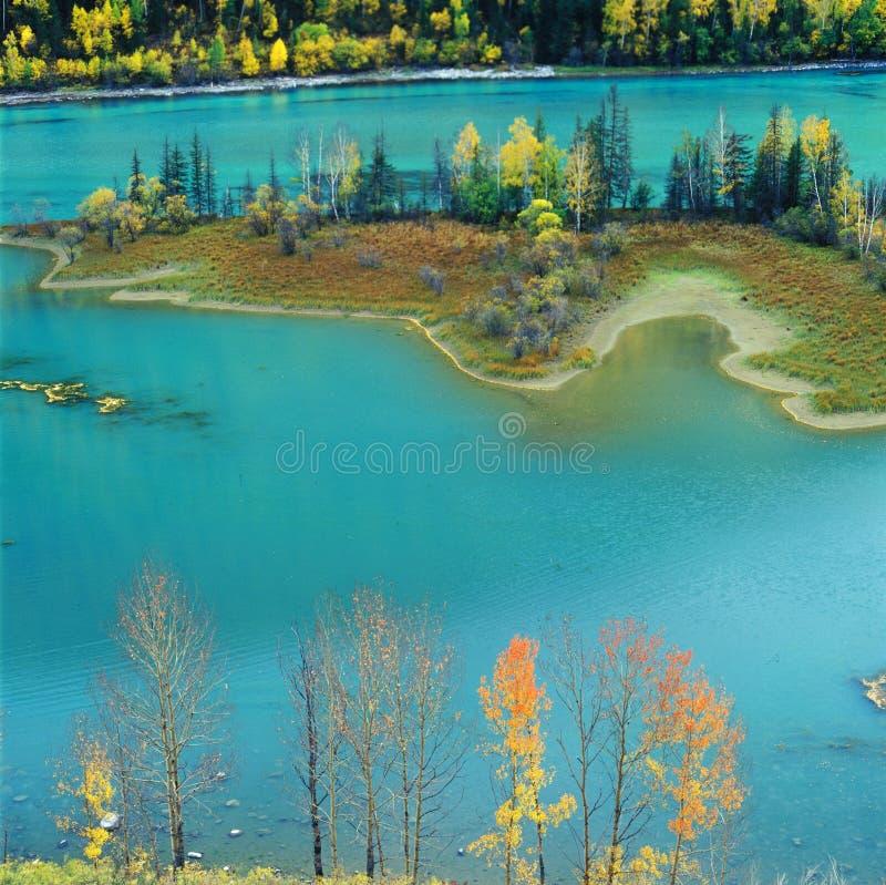 Lac coloré photo stock