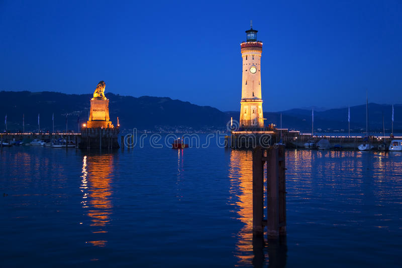Lac Constance, entrée de port de Lindau, phare photographie stock libre de droits