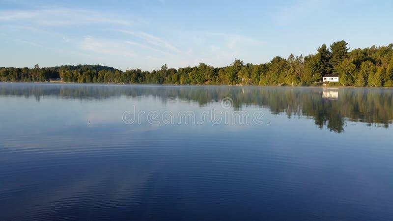Lac cottage ! photo libre de droits