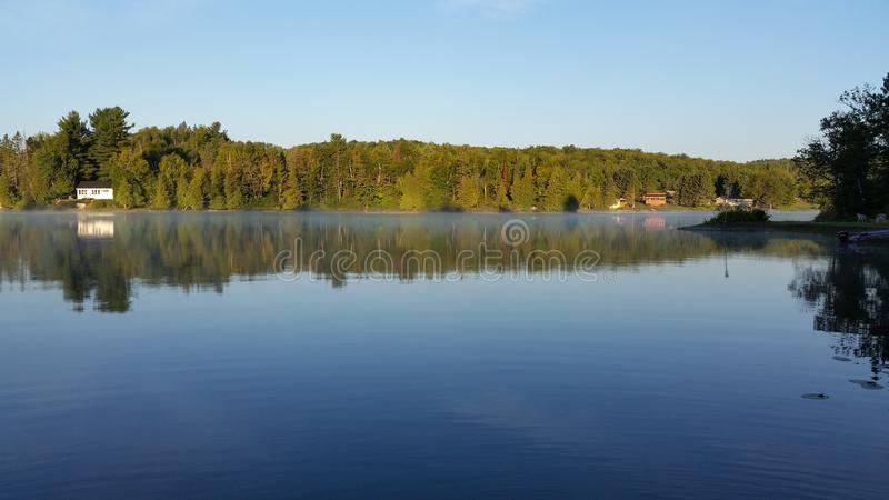 Lac cottage ! images stock