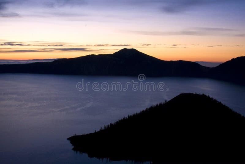Lac crater au lever de soleil photographie stock libre de droits
