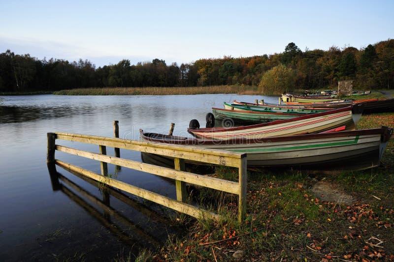 lac d'ennell de bateaux images libres de droits
