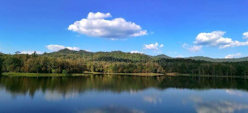 Lac dans le saraburi Thaïlande de Pongkonsao images libres de droits