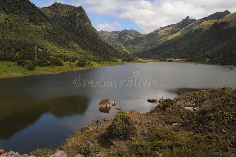 Lac dans les Andes, Equateur photographie stock