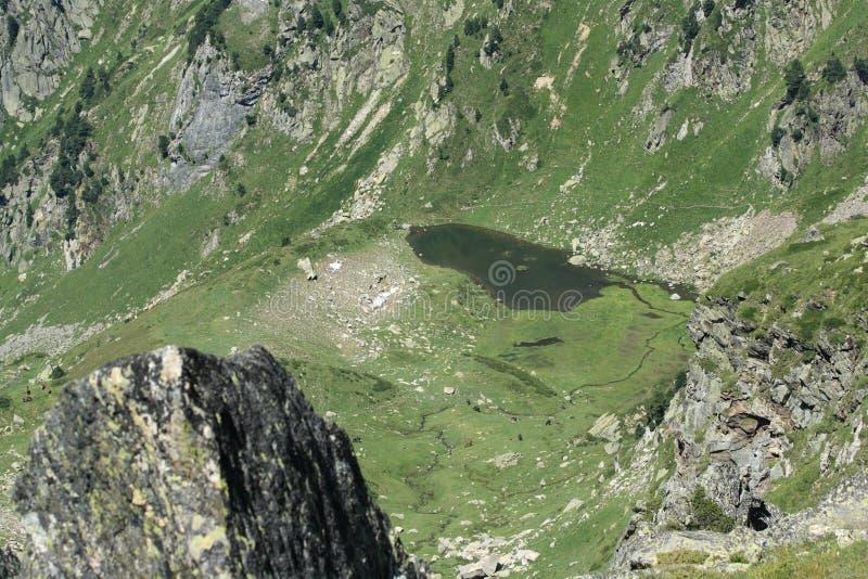Lac dans Pyrénées photo stock