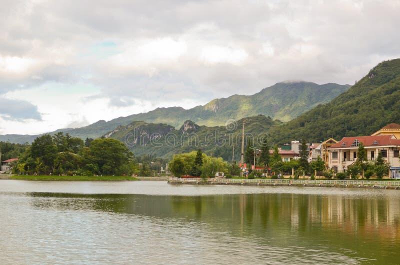 Lac dans Sapa, Vietnam photographie stock