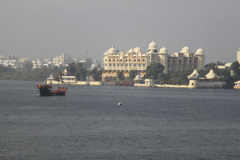 Lac dans Udaipur images libres de droits