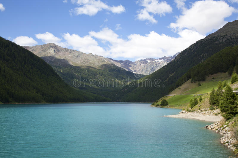 Lac de barrière de Vernagt dans le Tirol du sud images libres de droits