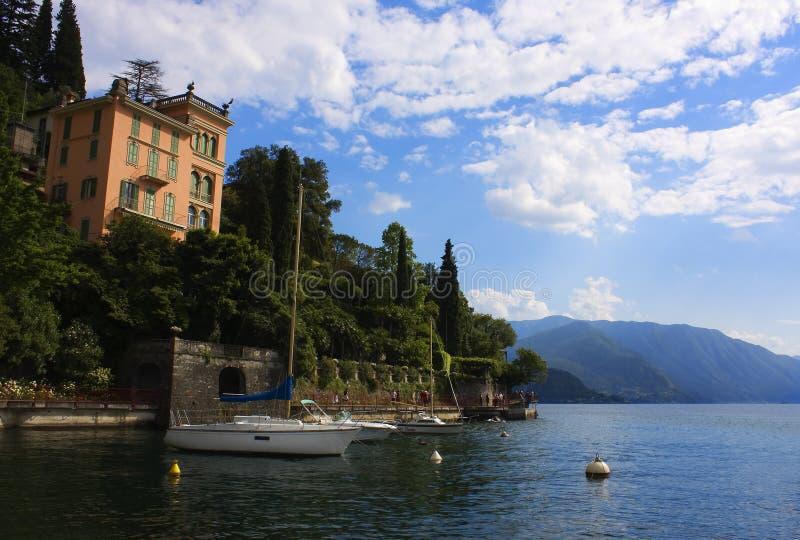 lac de bateau photos stock