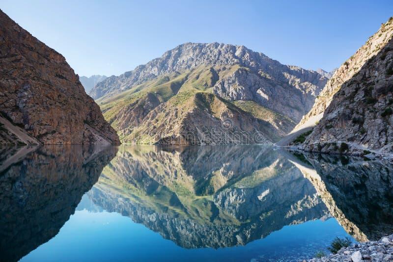 Lac de montagnes de Fann images libres de droits