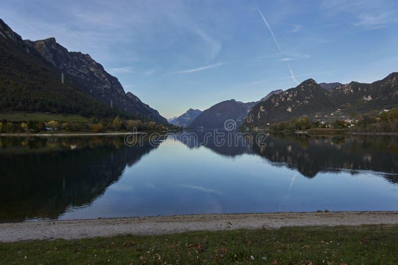 Lac de paysage d'Idro Italie de lac photo libre de droits