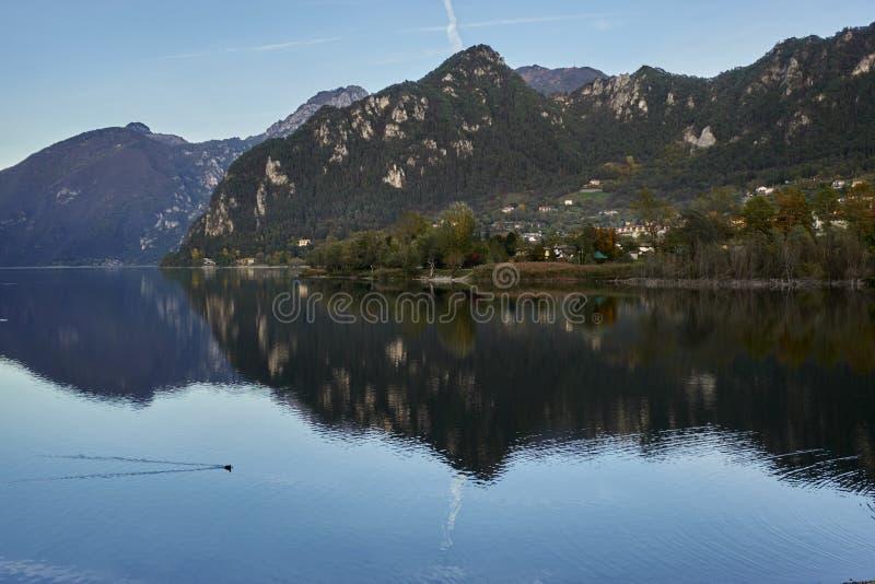 Lac de paysage d'Idro Italie de lac photos libres de droits