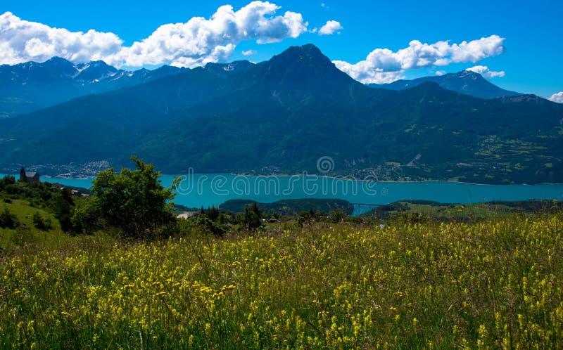 Lac de Serre Poncon在法国 免版税图库摄影