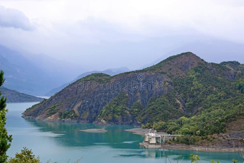 Lac de Serre-Poncon,法国 免版税库存图片
