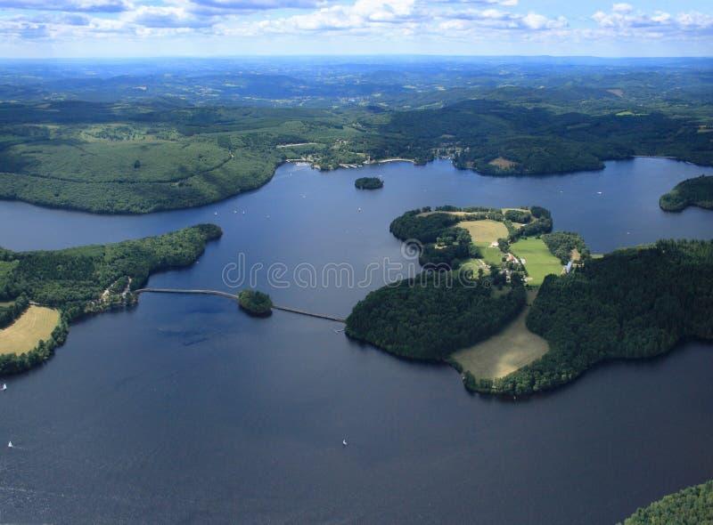 Lac de Vassivière et сын île - Крёз - Haute Вьенна стоковые изображения