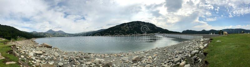 Lac des Bouillouses et Lacs du Carlit stock foto