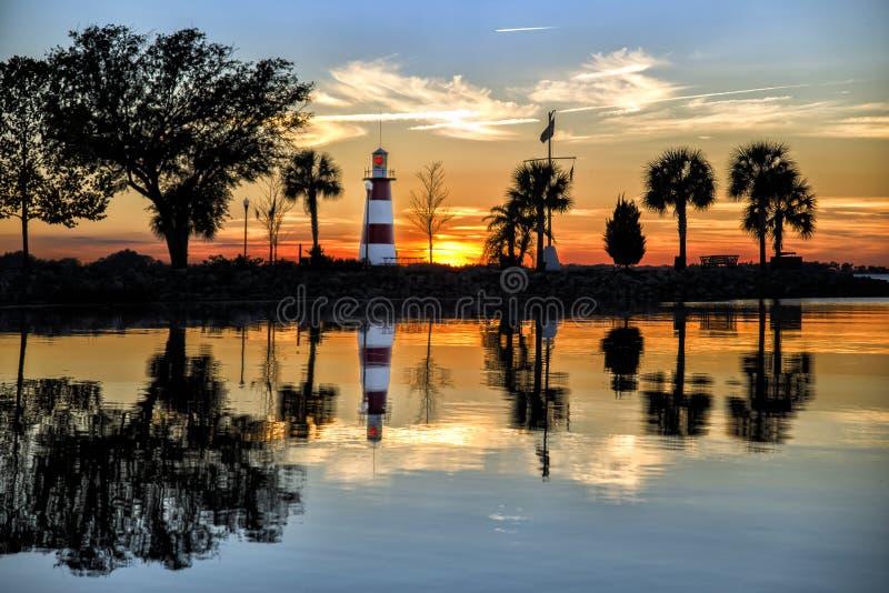 Lac Dora Lighthouse au coucher du soleil photo stock