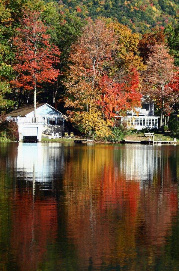 Lac Dunmore en automne photos libres de droits