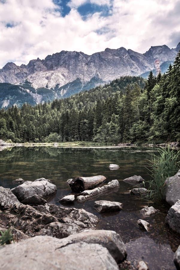 Lac Eibsee en Bavière Allemagne image libre de droits
