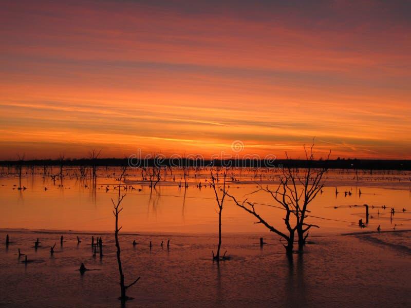 Lac el Dorado au coucher du soleil photographie stock