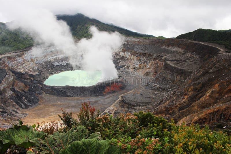 Lac en cratère de volcan de Poas photographie stock libre de droits