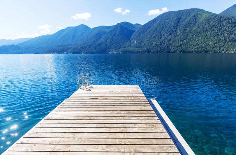Download Lac en croissant image stock. Image du forêt, wanderlust - 76076437