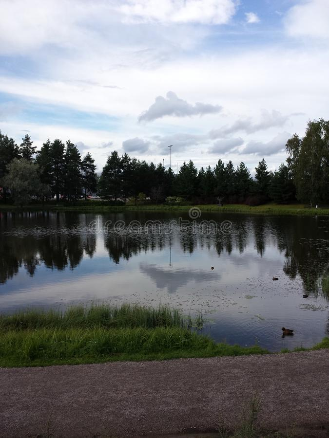 Lac en Finlande images libres de droits