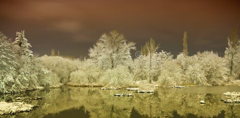 Lac en hiver photographie stock