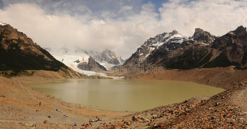 Lac et Cerro renversant Torre dans le Patagonia de nuages Fitz Roy National Park, Patagonia, Argentine le paysage de montagne sou photographie stock