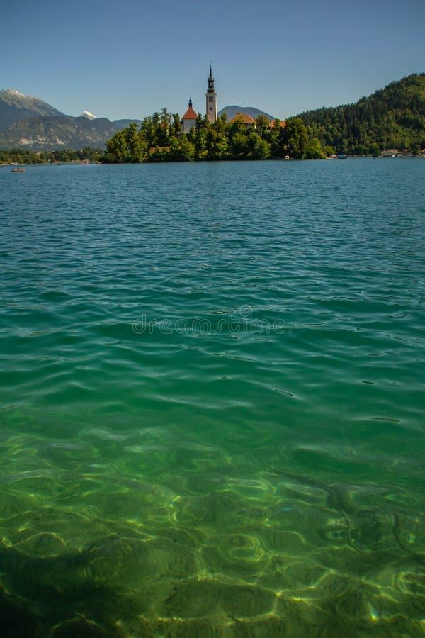 Lac et château saignés, Slovénie photo stock