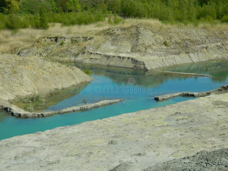 Lac fait par des mains de peuples photos libres de droits