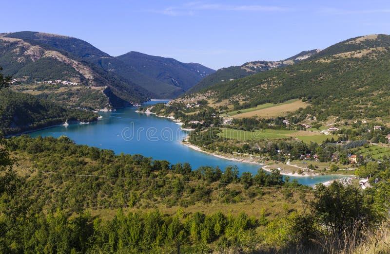 Lac Fiastra en Italie photos libres de droits