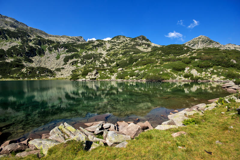 Lac fish de Banderishko, montagne de Pirin photos stock