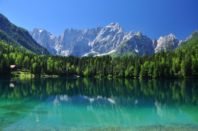 Lac Fusine, Alpes italiens, région de Friuli, Italie photo libre de droits