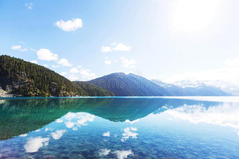 Download Lac Garibaldi image stock. Image du écologie, support - 76076429