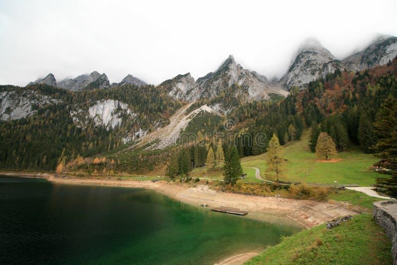 Lac Gosau mountains en Autriche photos stock