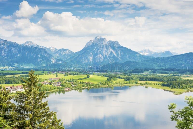 Lac Hopfensee en Bavière images libres de droits