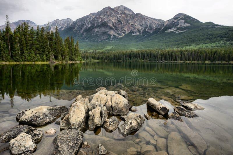 Lac Jasper National Park pyramid image libre de droits