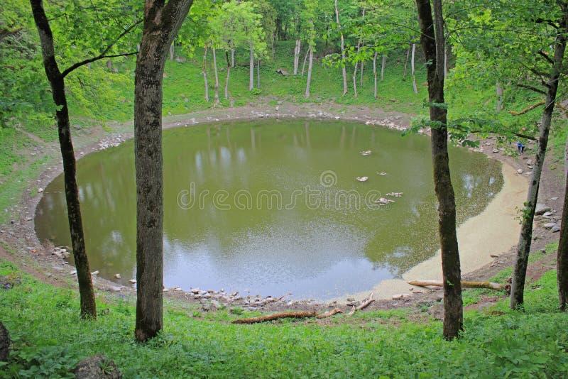 Lac Kaali, Saaremaa, Estonie images libres de droits