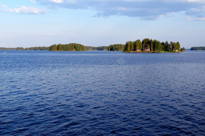 Lac Kallavesi près de Kuopio, Finlande photo stock