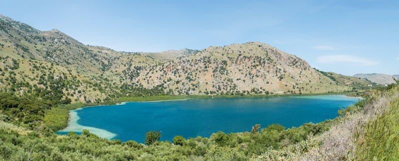 Lac Kournas à l'île de Crète en Grèce image stock