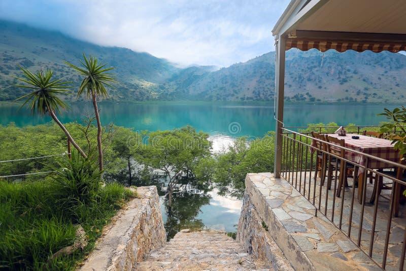 Lac Kournas en île de Crète images libres de droits