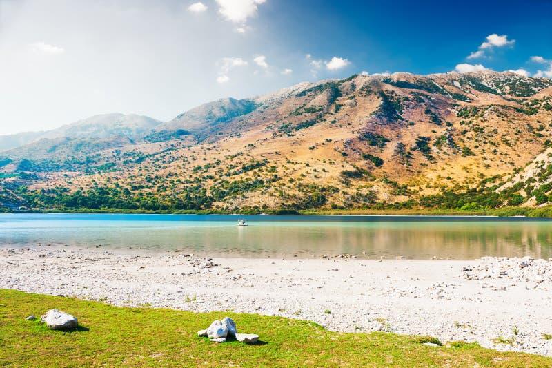 Lac Kournas sur l'île de Crète, Grèce images libres de droits