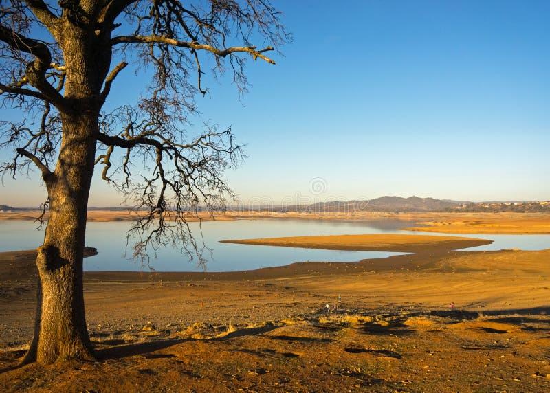 Lac la Californie Folsom pendant une période de sécheresse de 7 ans image stock